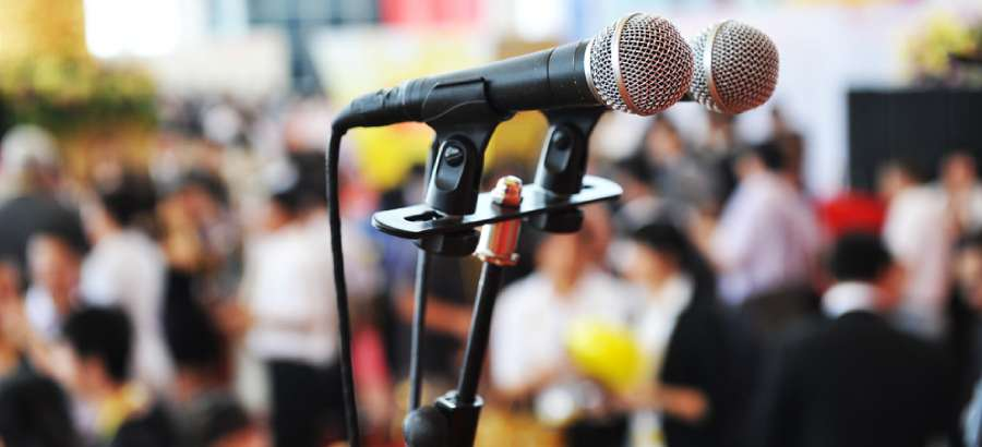 Public Speaking – How to Calm a Nervous Voice